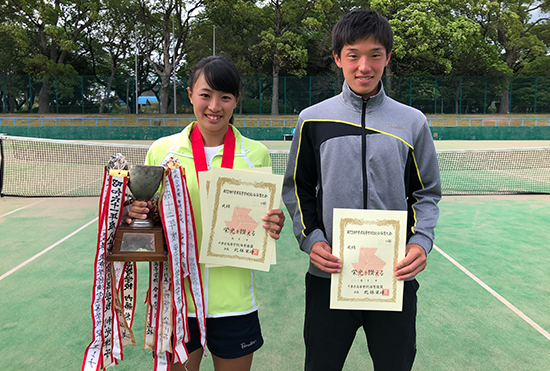 女子シングルス優勝の山崎さん、男子シングルス5位の三角君がインターハイ出場決定