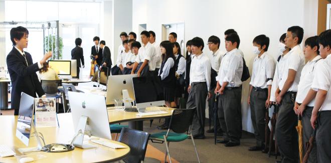 オープンキャンパスに参加(秀明大学)