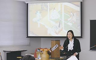 上野美穂子准教授による国語の特別授業